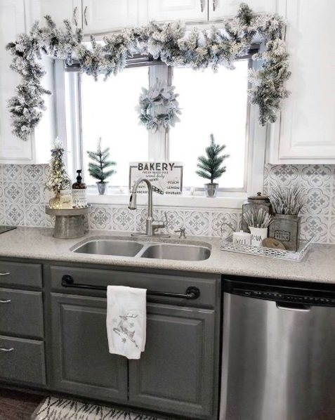ultimate christmas decoration galvanized stand momooze.com online magazine for modern moms