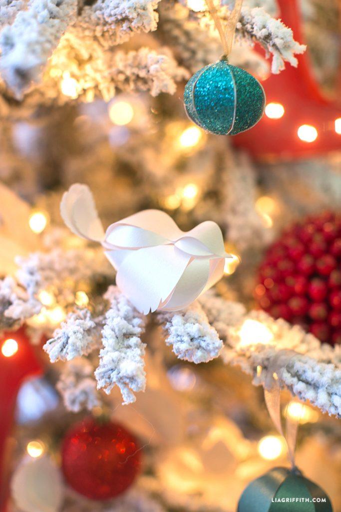 ultimate christmas decoration handmade paper ornaments momooze.com online magazine for modern moms