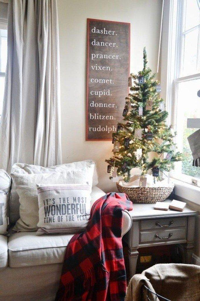 ultimate christmas decoration santa claus reindeer names board momooze.com online magazine for modern moms