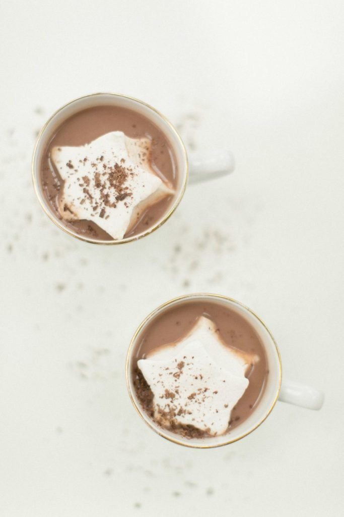 ultimate winter wedding inspiration hot chocolate bar marshmallows momooze.com online magazine for moms