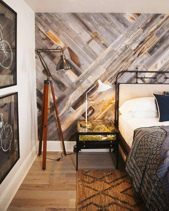 unique home decor projects diy wood pallet accent wall momooze.com online magazine for the modern mom