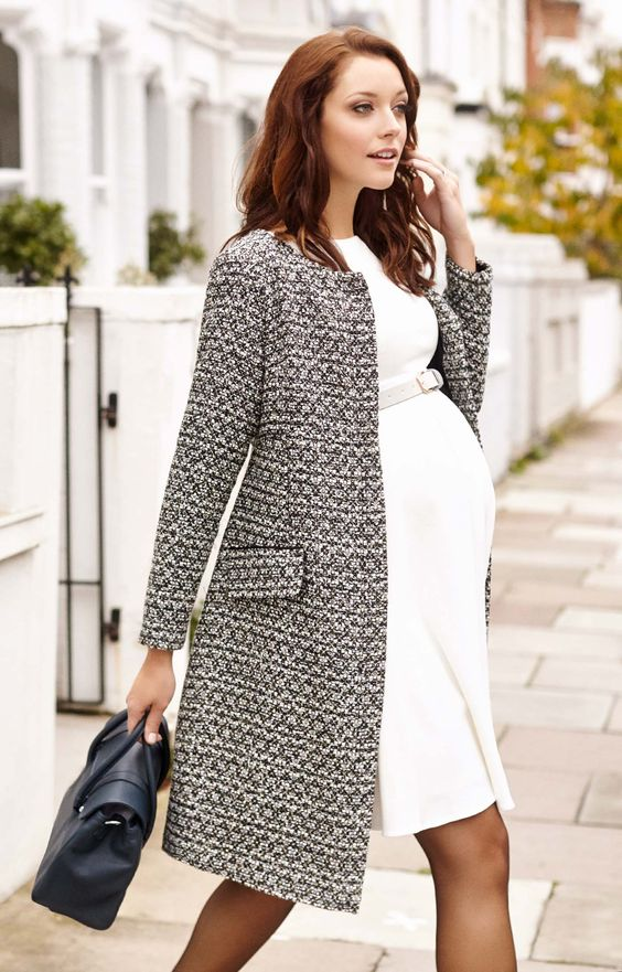 winter maternity outfits coat momooze.com online magazine for moms