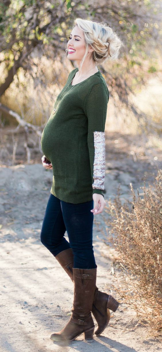 winter maternity outfits sweater momooze.com online magazine for moms