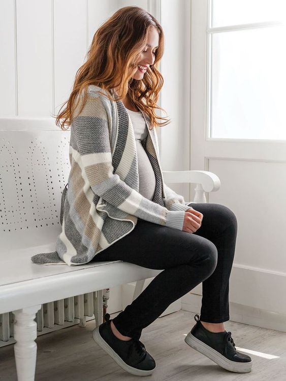 winter maternity outfits warm maternity fashion chic momooze.com online magazine for moms